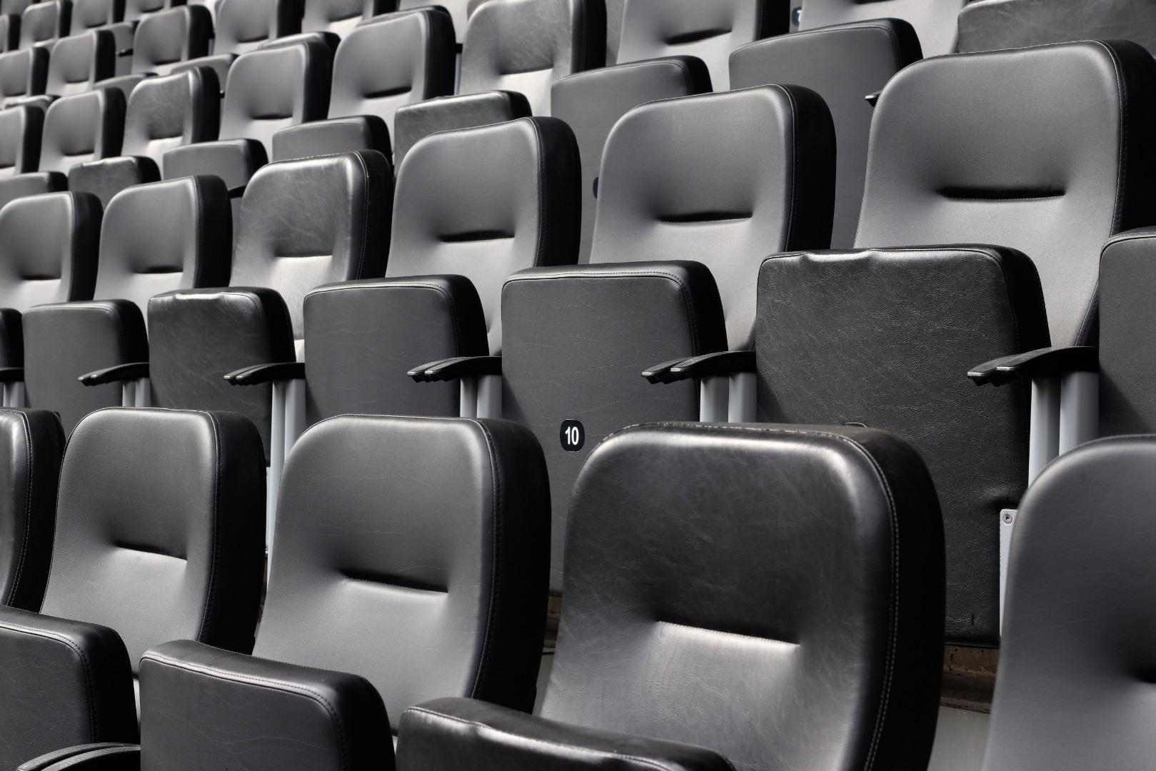 gsm-sella Stadion Möbel